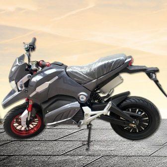 Adultos multicolor de dos ruedas eléctrico coche deportivo de la motocicleta locomotora...