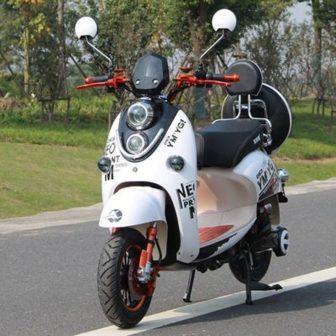Motocicleta eléctrica 60V20A brillante luz LED teléfono celular carga conveniente para arranque...